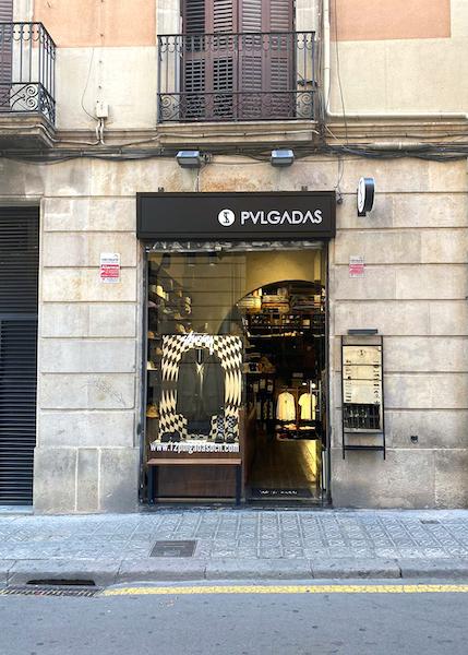 12 Pulgadas Streetwear Store in Barcelona